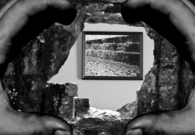 20 Photos of Creative Frames Within Frames