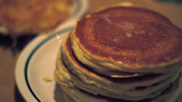 Make Your Own Pancake Syrup and Skip the Overpriced Stuff at the Grocery Store