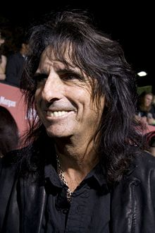 Alice Cooper To Battle Sebastian Bach At Rock Band 2