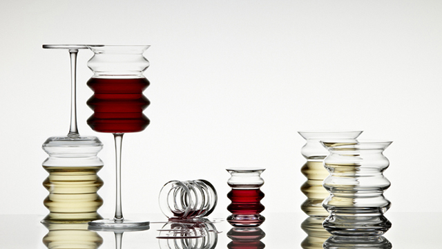 Quriky Wine Glasses To Help Reduce Spills