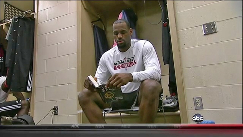 LeBron's Choice Of Pre-Game Reading Material? <em>The Hunger Games</em>