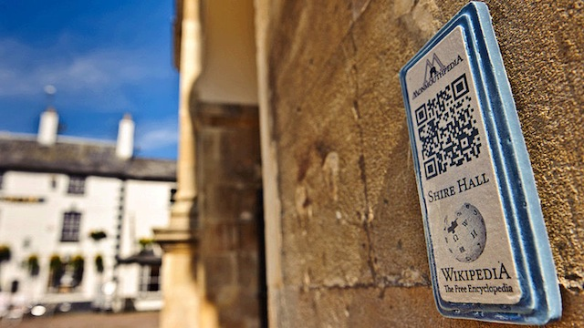 Click here to read This Entire Town Is Plastered with QR Codes That Link to Wikipedia