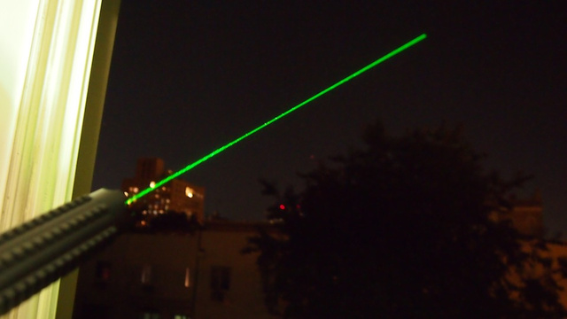 Wicked Laser S3 Krypton Lightning Review: Holy Christ Now It's Green and Goes Into Space