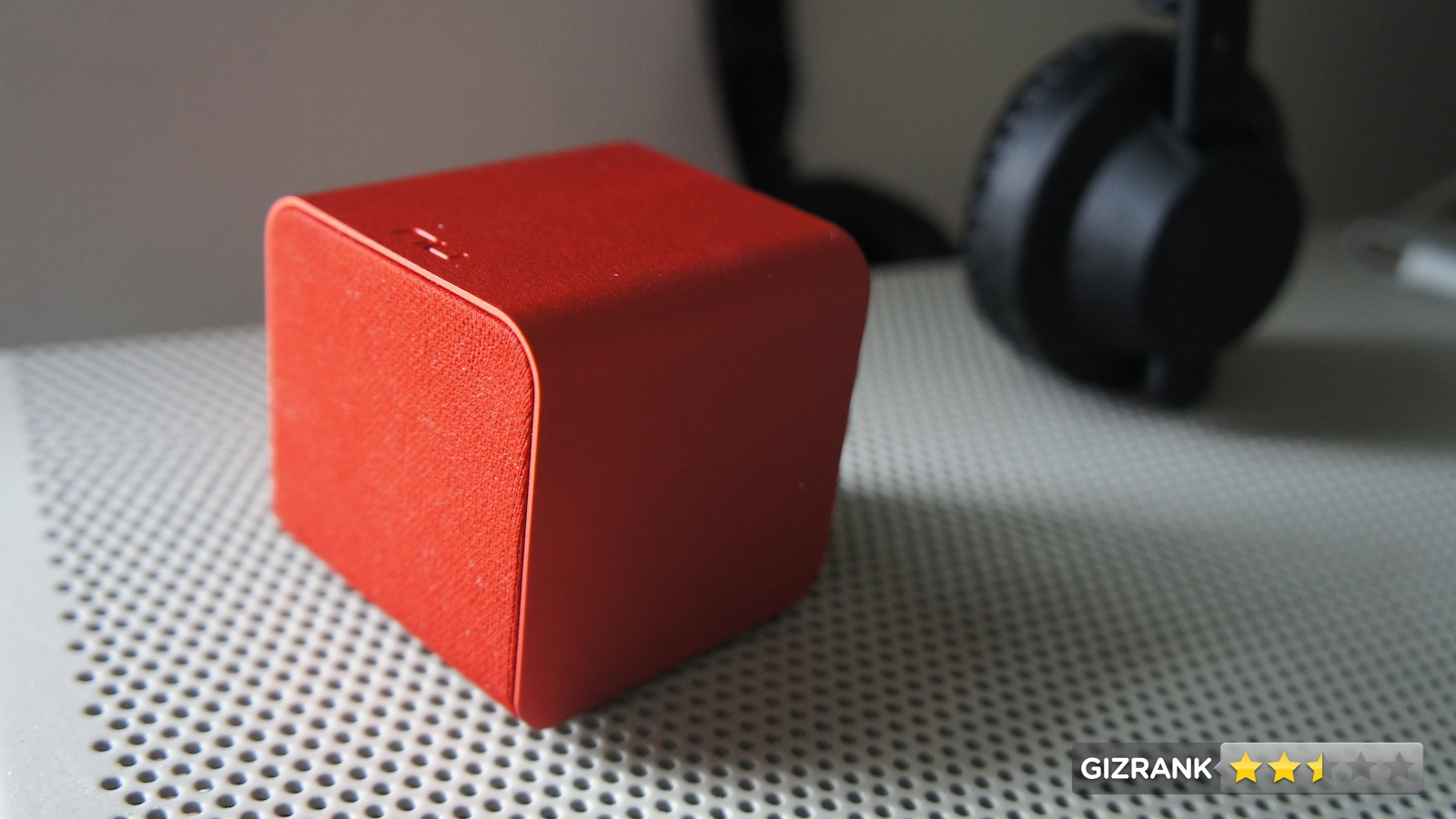 Click here to read NuForce Cube Speaker: Jack of Many Trades, Master of None