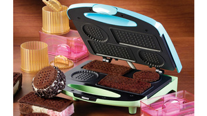 You Should Spend Your Entire Long Weekend With This Ice Cream Sandwich Maker