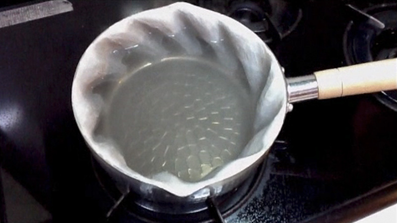Click here to read Specially Sculpted Pot Creates a Whirlpool When Cooking So You Never Have to Stir