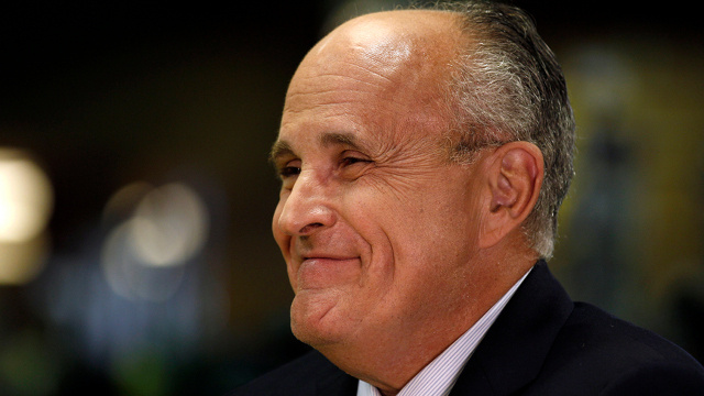 Rudy Giuilani Would Like to Remind You That He's Better Than Mitt Romney