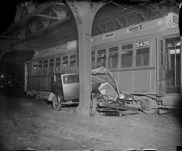 These vintage photos of early car wrecks will make you grateful for crumple zones