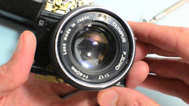 Click here to read If Only Digital Cameras Were as Beautiful as These Restored Vintage Rangefinders