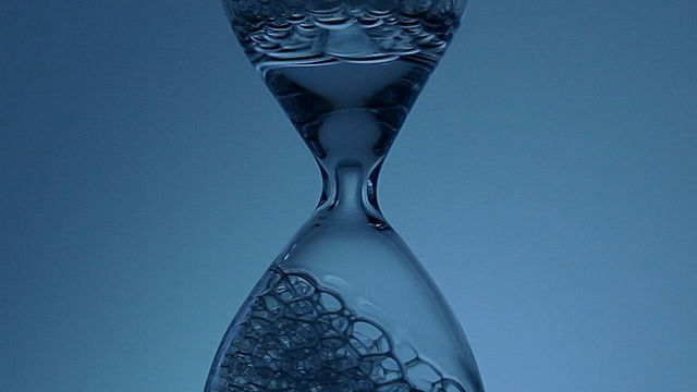 Click here to read Bubble Hourglass Appears To Flow Backwards