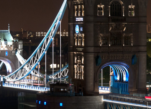 London Bridge Dons an LED Gown for Queen's Diamond Jubilee