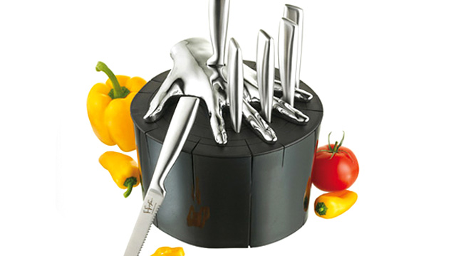 Click here to read Stylish Knife Block Lets You Safely Play Five Finger Fillet