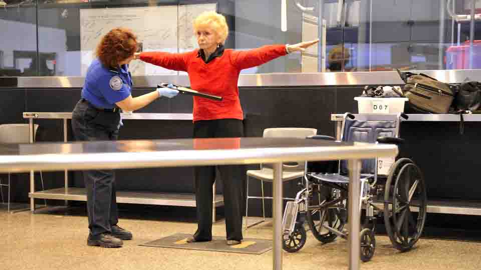 Click here to read The TSA Is Just As Sick of Pat-Downs As You Are