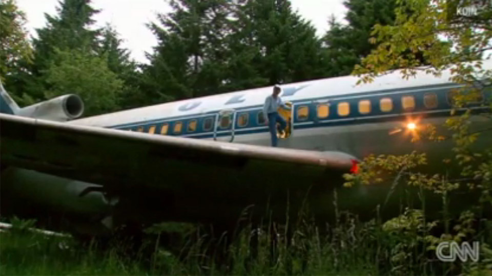 Man Lives In His Own Private 727 In The Woods