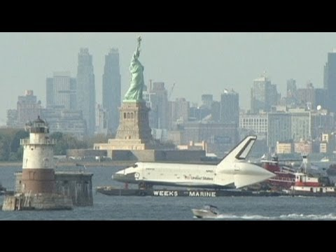 Watch the Space Shuttle Enterprise Float Merrily Up the Hudson River [Video]