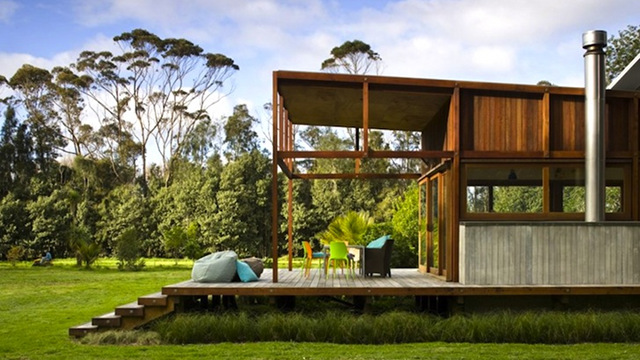 This eco friendly new zealand home is powered entirely by for Design house architecture nz