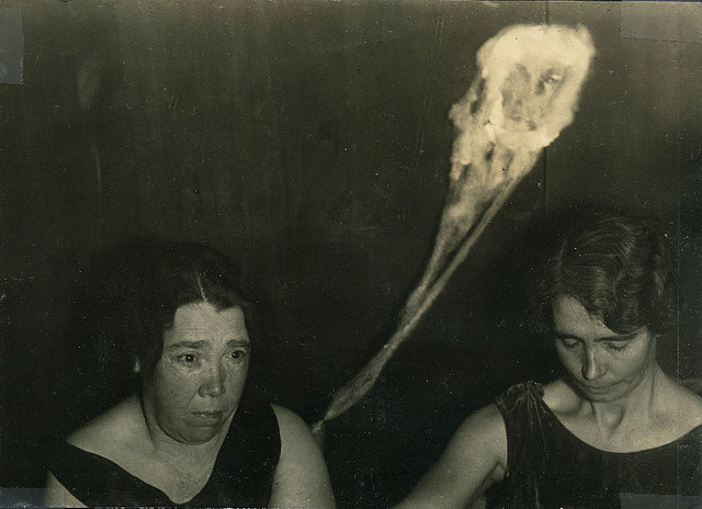 The Goofiest Old Timey Spirit Portraits Ever Photographed