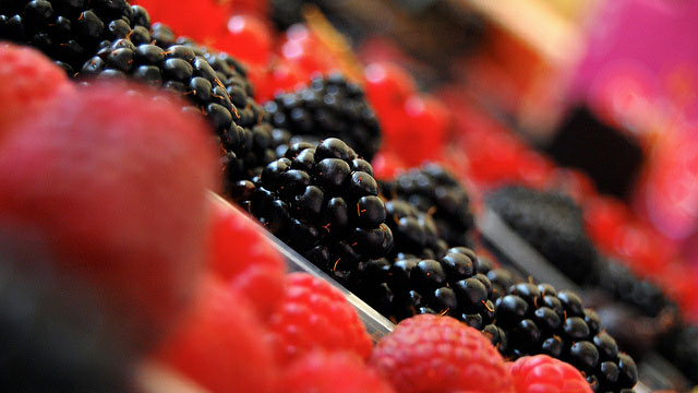 Click here to read Make Berries Stay Fresh Longer by Storing Them in a Single Layer (and Other Produce Freshness Tips)