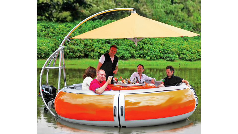 Floating BBQ Grill Promises The Freshest Shrimp On The Barbie
