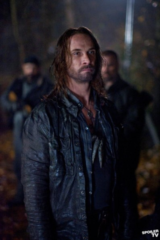 "Promo Pics From Falling Skies #203: ""Compass"""