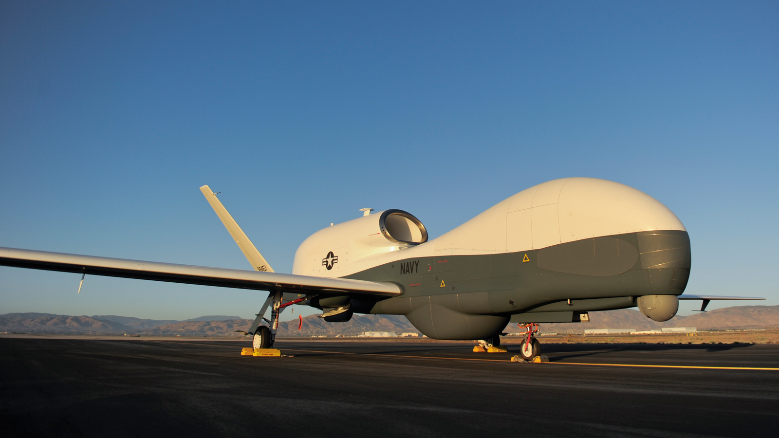 Click here to read This Is the New Spy Plane of the US Navy