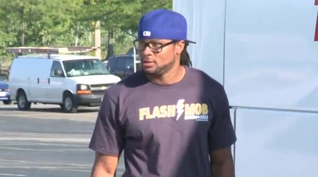 Josh Cribbs Organized A Kent State Fan Road Trip To Watch The College World Series