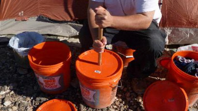 Make a DIY Washing Machine from a Five-Gallon Bucket