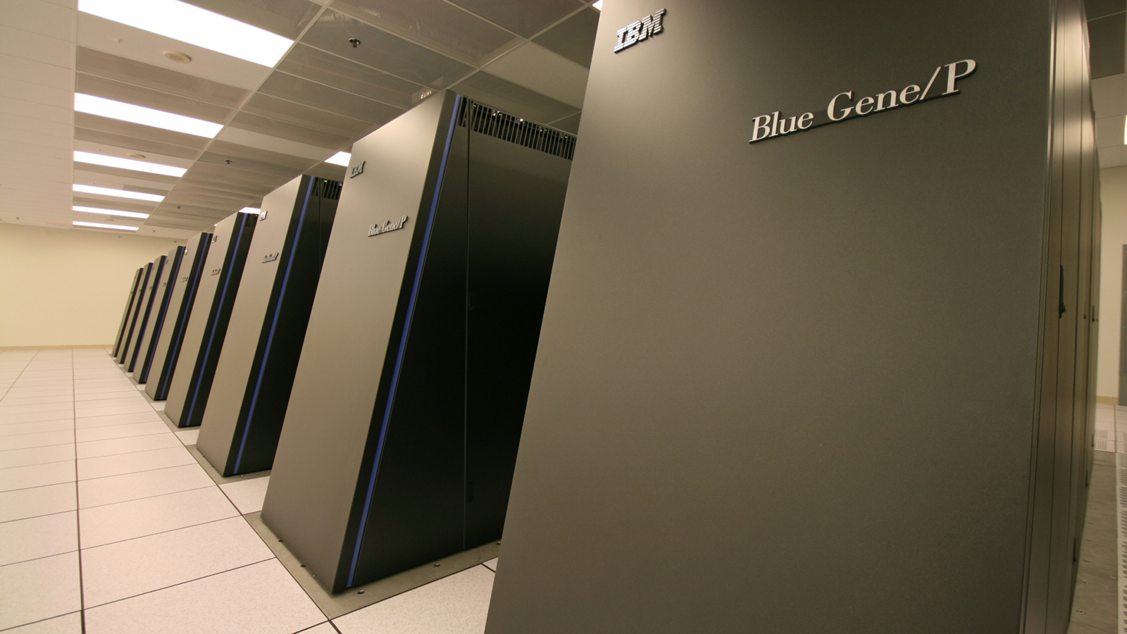 The World's Fastest Supercomputer Is American
