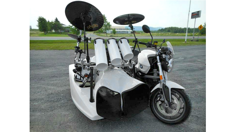 Can You Really Bang Out A Wicked Drum Solo At 100km/h?