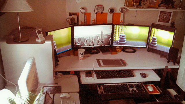 The Dual-OS, Multi-Monitor Workspace