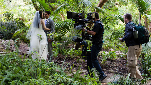 The First Wedding In the World Filmed With Ultra-High Definition 3D Cameras