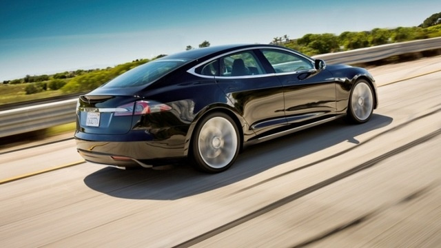 Tesla Model S Gets 89 MPGe, Gizmos Confuse Car Buyers, And Peugeot CEO's Clock Starts Ticking