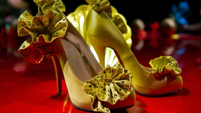 Professional Poker Player's 1,200-Pair Shoe Collection Menaced by Ex-Husband