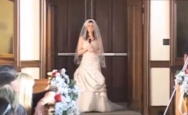Terrifying Bridelady Sings Christina Aguilera WHILE Walking The Aisle