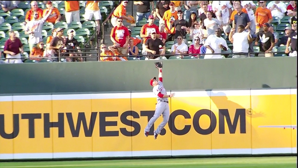 Mike Trout Continues To Do Ridiculous, Impossible Baseball Things
