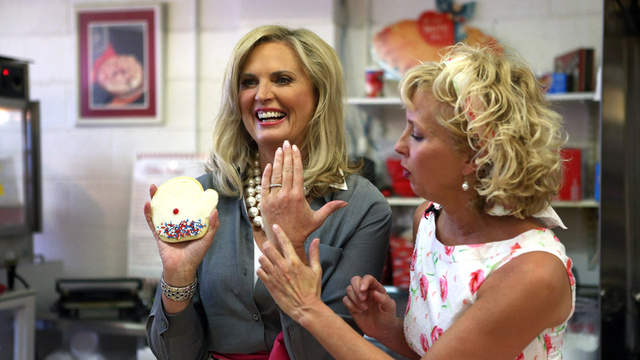 Michelle Obama and Ann Romney Duke It Out Over Who Has the Better Cookie Recipe