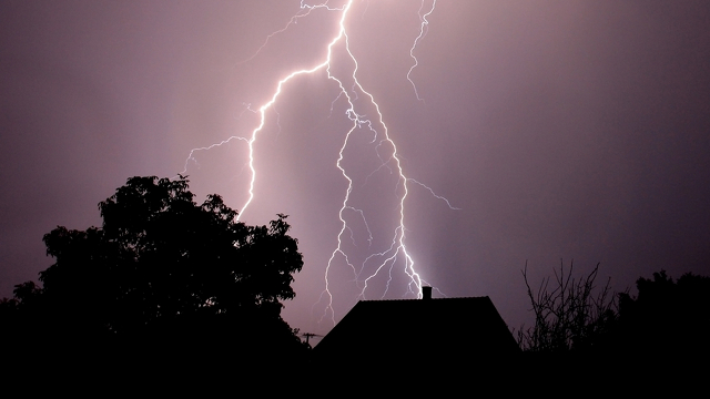 Click here to read How an Electrical Storm in Virginia Brought Down a Large Chunk of the Internet