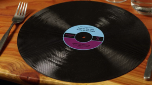 GamaGo's Record-Shaped Placemats: Yay or Nay?