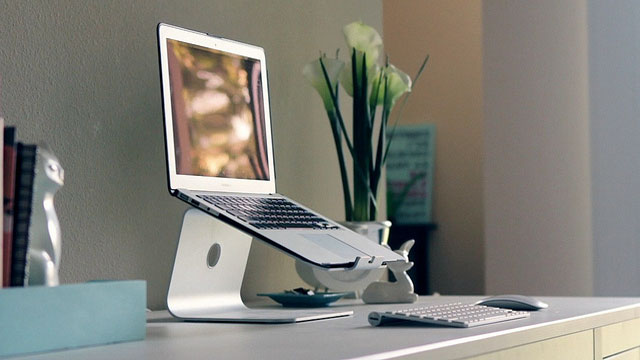 Click here to read The MacBook Air Workstation
