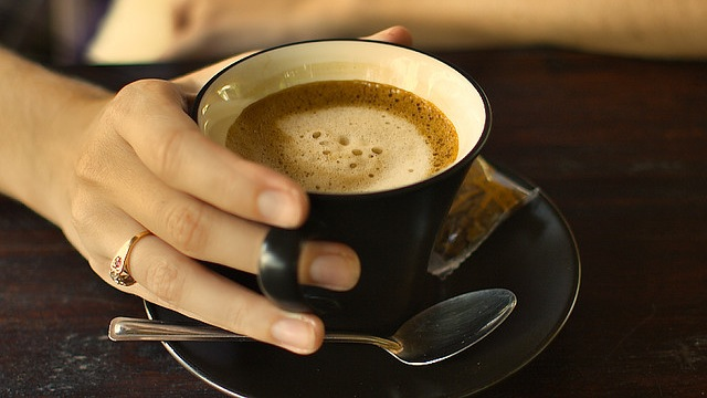 Click here to read Small, Regular Doses of Caffeine Offer the Biggest Mental Boost