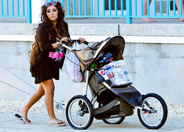 This Photo of Snooki Pushing a Stroller Full of Beer is Too Easy [UPDATE]