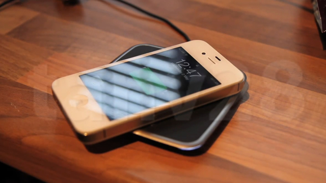 Click here to read Mod Your iPhone for Wireless Charging, No Bulky Case Required