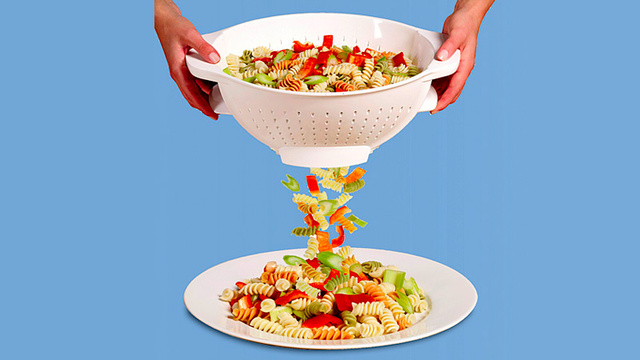 Trap Door Colander Will Revolutionize Your Kitchen