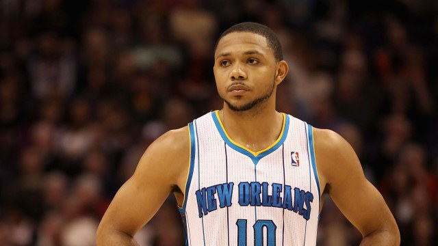 Watch Eric Gordon Slowly Back Away From Reporters While Giving …