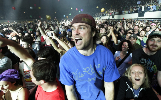 Surprisingly, Phish Fan Who Fell 25 Feet From Light Pole Was Naked, 'on Something'