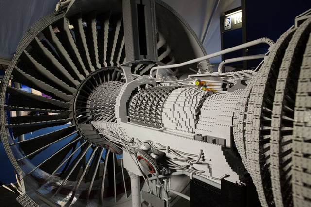 152,455-Piece Rolls-Royce Engine Is the Most Complex Lego Machine Ever Built