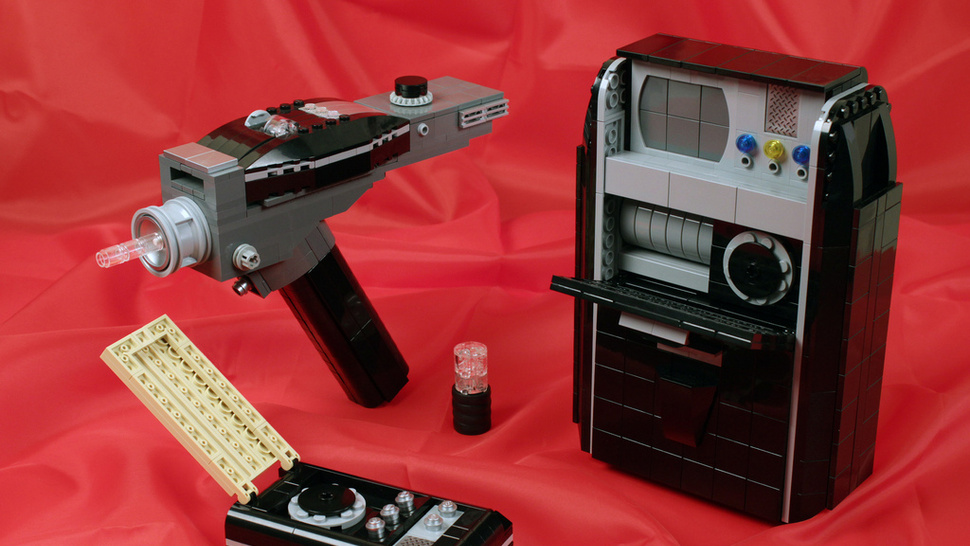 LEGO <em>Star Trek</em> equipment may not work, but is fascinating nonetheless