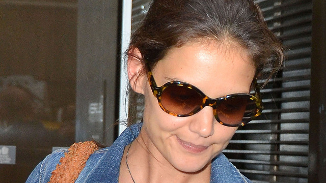 Katie Holmes Used a Disposable Cell Phone to Escape From Tom Cruise