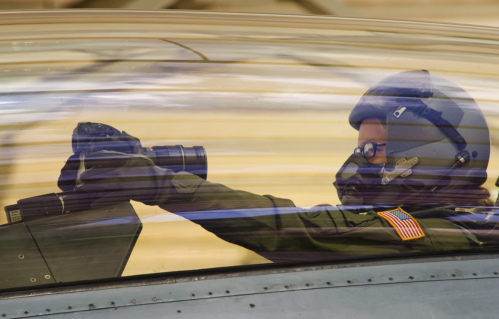 Click here to read Taking a Photo of Yourself Flying an F-16 Is the Only Good Self-Profile-Pic