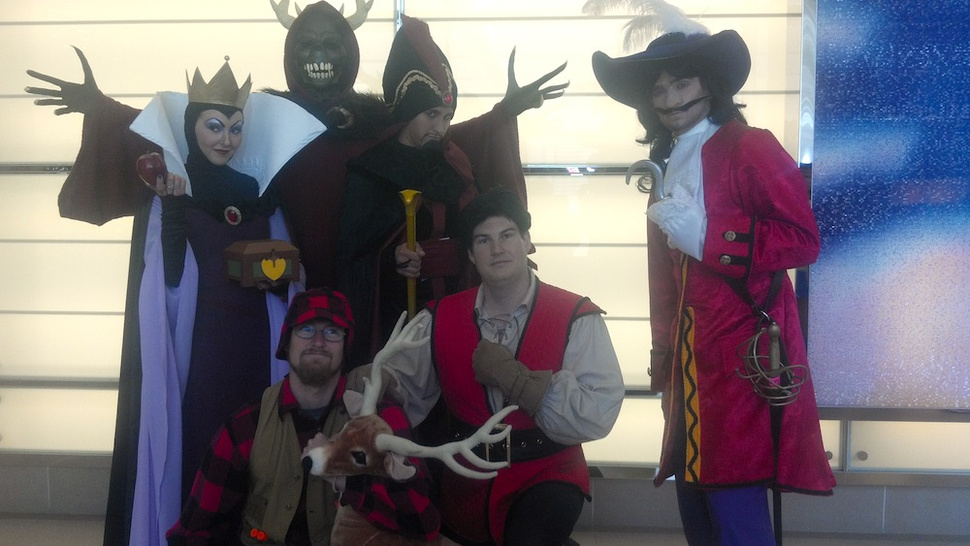 This is the most genius Disney villain cosplay we've seen yet